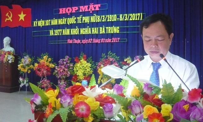 Ô. Nguyễn Quốc Nam PBT Huyện ủy phát biểu chúc mừng