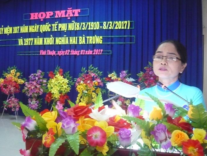 Bà Nguyễn Thị Hải CT Hội LHPN ôn truyền thống 8-3