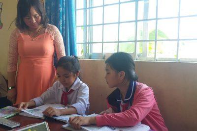 Cô giáo Võ Thị Hồng Diễm tận tâm với học trò, trách nhiệm cao với nghề