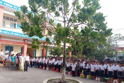 """Trường Tiểu học Vĩnh Bình Bắc 4 tổ chức """"Tưởng niệm các nạn nhân tử vong do tai nạn giao thông"""" năm 2019"""