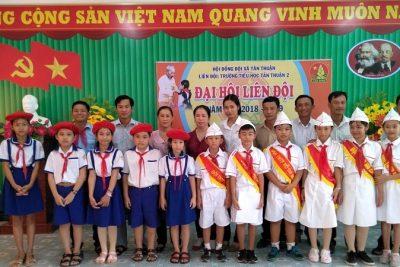 Trường tiểu học Tân Thuận 2 vận động hũ gạo tình thương giúp học sinh nghèo