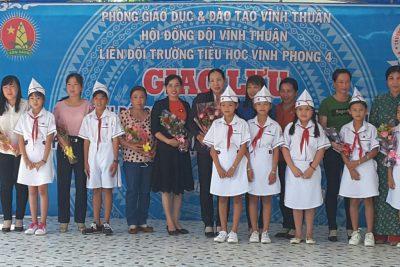 Liên đội trường tiểu học Vĩnh Phong 4 tổ chức sinh hoạt chuyên đề