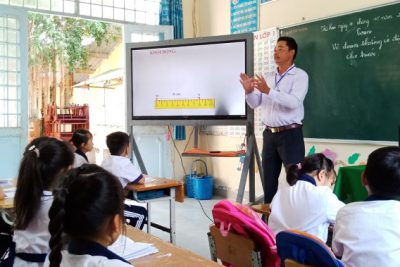 Trường tiểu học và trung học cơ sở Phong Đông ứng dụng hiệu quả công nghệ thông tin trong giảng dạy và soạn bài giảng điện tử