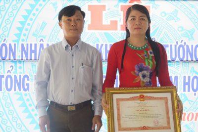 Trường trung học cơ sở Vĩnh Phong 2 tổ chức tổng kết năm học 2018-2019