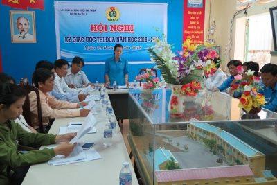 LĐLĐ huyện tổ chức ký giao ước thi đua năm học 2018-2019