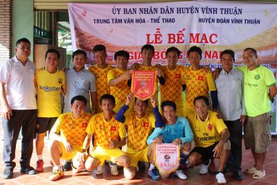 Bế mạc giải bóng đá mini nam huyện Vĩnh Thuận năm 2020