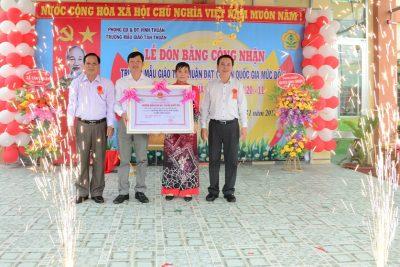 Trường mẫu giáo Tân Thuận đón nhận bằng công nhận trường đạt chuẩn Quốc gia mức độ 1 và lễ 20/11 năm học 2018-2019