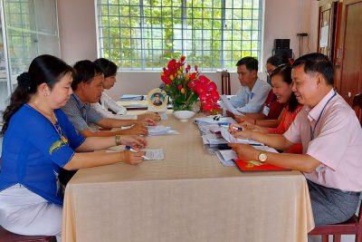Chi bộ trường trung học phổ thông Vĩnh Phong 3 năm liền đạt trong sạch vững mạnh
