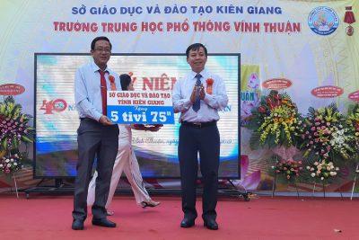 Lễ kỷ niệm 40 năm thành lập Trường THPT Vĩnh Thuận