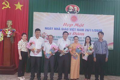 Trung tâm chính trị huyện tổ chức họp mặt Kỷ niệm 38 năm Ngày Nhà Giáo Việt Nam (20/11/1982 – 20/11/2020)